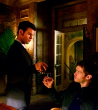 Pictured (L-R): Daniel Gillies as Elijah and Joseph Morgan as Klaus - Photo: The CW