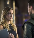 (L-R): Katie Cassidy as Laurel Lance and Stephen Amell as Oliver Queen -- Photo: Ed Araquel/The CW