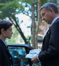 "Alfred (Sean Pertwee, R) presents Bruce (David Mazouz, L) with his father's watch in GOTHAM'S ""The Mask"" episode."