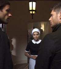 Pictured (L-R): Jared Padalecki as Sam, Izabella Miko as Olivia, and Jensen Ackles as Dean -- Credit: Michael Courtney/The CW