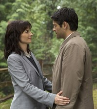 Pictured (L-R): Erica Carroll as Hannah and Misha Collins as Castiel -- Credit: Katie Yu/The CW