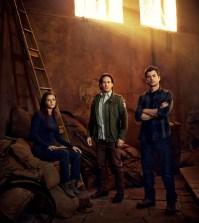 Pictured: (l-r) Jordan Hayes as Dr. Sarah Jordan, Neil Napier as Dr. Peter Farragut, Matt Long as Dr. Kyle Sommer -- (Photo by: Jeff Riedel/Syfy)