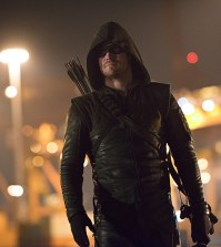 Pictured: Stephen Amell as Oliver Queen / The Arrow -- Photo: Diyah Pera/The CW