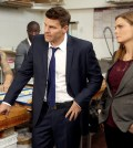 Booth (David Boreanaz, L) and Brennan (Emily Deschanel, R) |  Co. Cr: Jordin Althaus/FOX