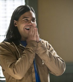 Pictured: Carlos Valdes as Cisco Ramon -- Photo: Katie Yu /The CW