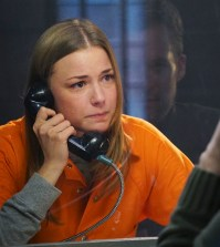 "REVENGE - ""Plea"" - Emily enlists Nolan and Jack to help prove her innocence while Ben takes measures to keep her locked up, on ""Revenge,"" SUNDAY, MAY 3 (10:01-11:00 p.m., ET), on the ABC Television Network. (ABC/Danny Feld) EMILY VANCAMP"