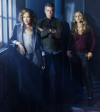 Pictured: (l-r) Jennifer Lopez as Harlee Santos, Ray Liotta as Bill Wozniak, Drea de Matteo as Tess Nazario -- (Photo by: Jeff Riedel/NBC)