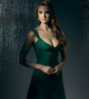 Maggie Geha as Poison Ivy | Season 3 of GOTHAM premieres Monday, Sept. 19 (8:00-9:00 PM ET/PT) on FOX. ©2016 Fox Broadcasting Co. Cr: Kevin Lynch/FOX