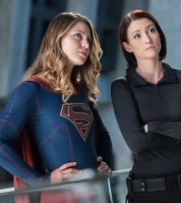 Pictured (L-R): Melissa Benoist as Kara/Supergirl and Chyler Leigh as Alex Danvers - Photo: Dean Buscher/The CW -- © 2016 The CW Network, LLC. All Rights Reserved
