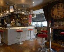 Hemingways cocktail bar
