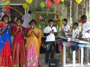 asha Jyothi optreden