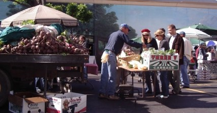 Warehouse district farmers market 032506f