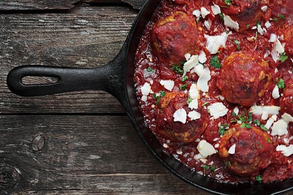 Baked Meatballs and Tomato Sauce