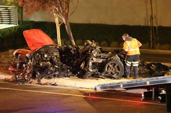 Porsche Paul Walker acidente de carro  Paul Walker, ator de Velozes de Furiosos, morre em um acidente de carro, aos 40 anos