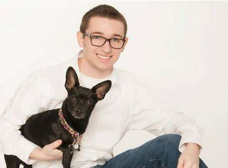 Jovem gay grava o momento em que é expulso de casa por ser homossexual
