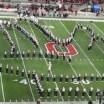 A banda marcial de Ohio State fazendo um show espetacular