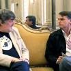 """Stephen Fry entrevista Jair Bolsonaro em seu documentário """"Out There"""""""