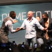 Jon Jones e Anthony Johnson simulam briga em coletiva e trollam Dana White