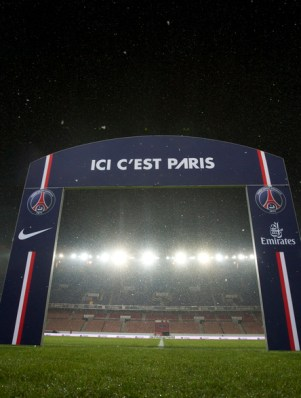PSG Trophy Celebrations at the Eiffel Tower Video
