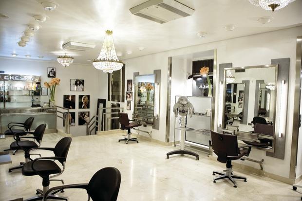Sabes a que peluquer as van las famosas revista semana - Interiores de peluquerias ...