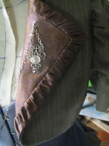 closeup of the collar and pin