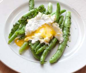 Parsley Pesto Green Beans and Egg