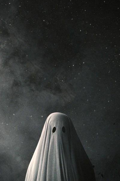A Ghost Story 8d Wallpaper - [640 x 960]