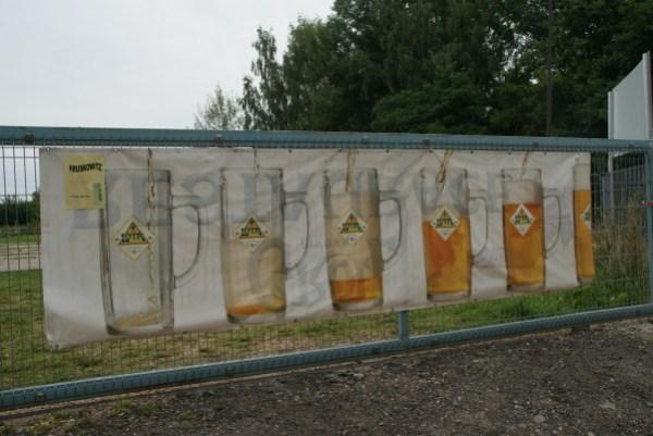 blog voyage australie whv backpacker roadtrip lotr lord of the ring sauron beer pilsen biere advertising publicité