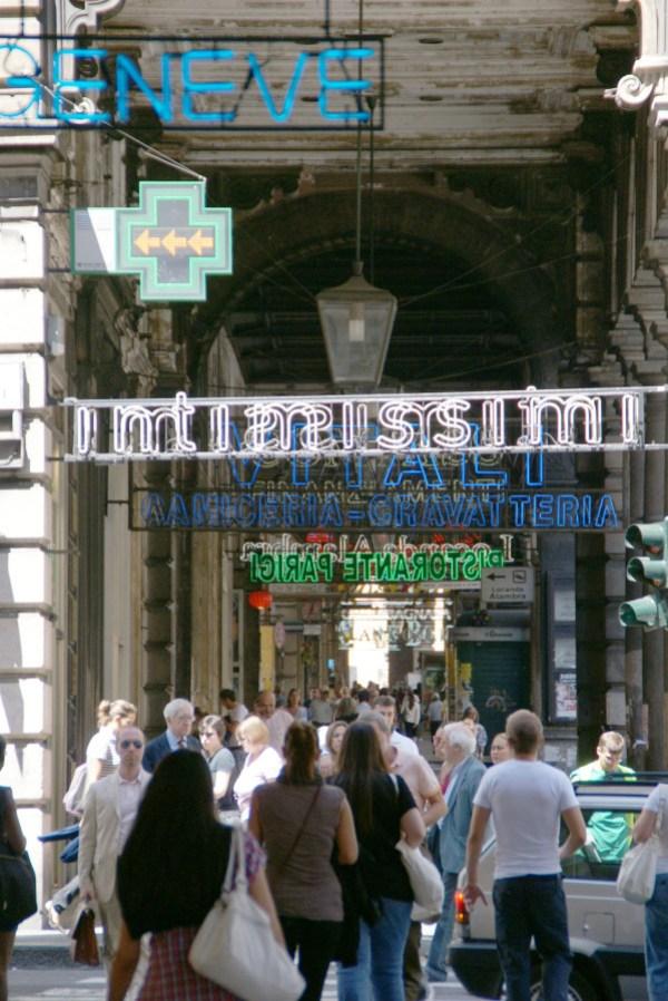 blog voyage australie whv roadtrip italie sign neon enseigne perspective