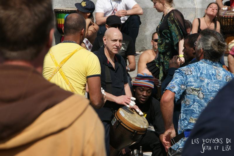 blog voyage canada montreal tam tam mont royal danse people gens musique