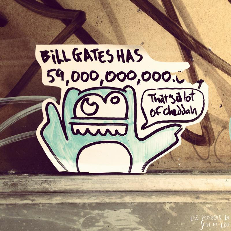 blog voyage canada montreal pvt bill gates cheddar street art sticker