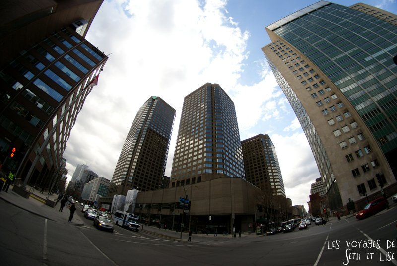 blog voyage canada pvt montreal carrefour building downtown immeuble