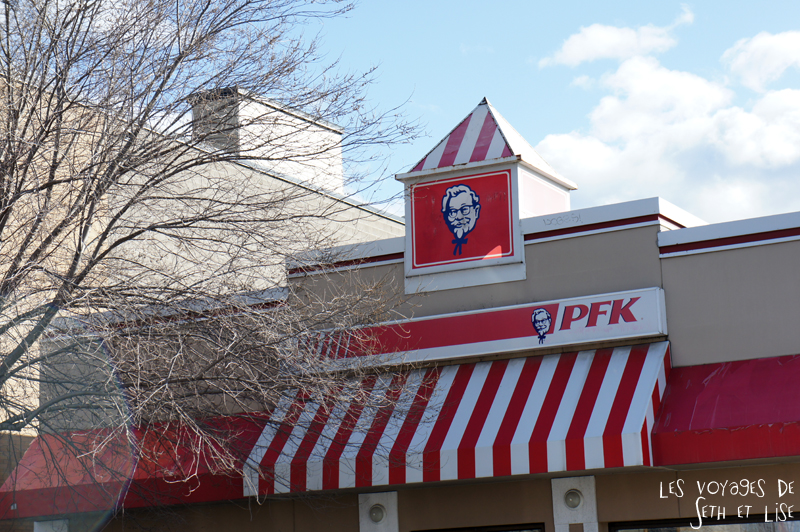 blog voyage canada montreal pvt backpacker kfc pfk fastfood chicken fried