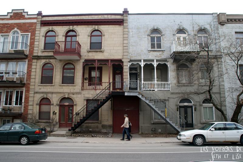 blog voyage canada pvt montreal maison couleur escalier double