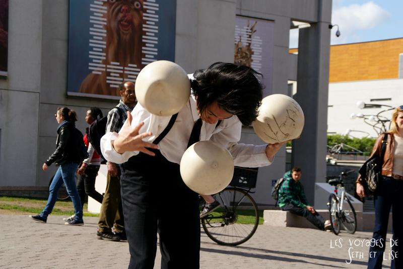 blog pvt canada voyage canada montreal voyage tour du monde fete artiste jonglage artiste balls
