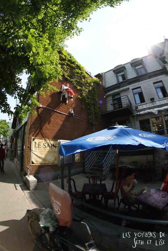blog voyage tour du monde pvt whv backpacker canada montreal art vieux chaise angie hiesl roland kaiser insolite uqam