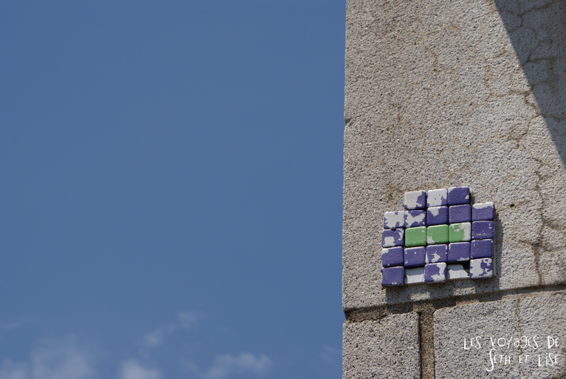 blog voyage pvt canada couple montreal tour du monde rue plateau space invader street art carre pixelart