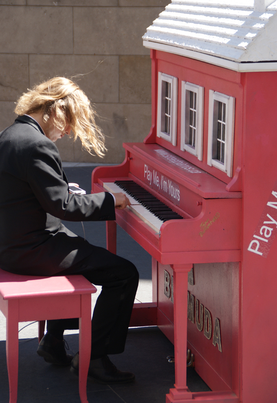 blog voyage blog voyage piano street toronto play me i m yours pvt canada ontario couple travel art musique beethoven