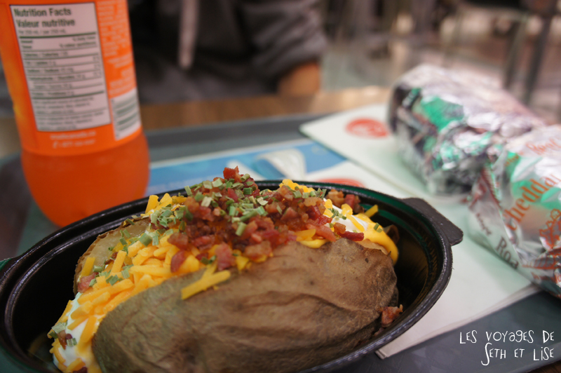 blog photographie voyage canada alberta calgary pvt pvtiste couple arby baked potatoes patate repas