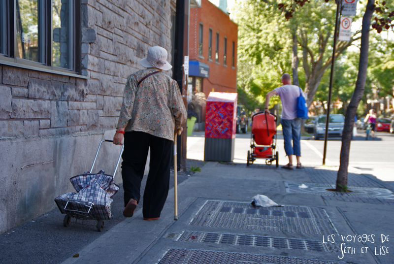 blog voyage canada photo montreal quebec humour old lady
