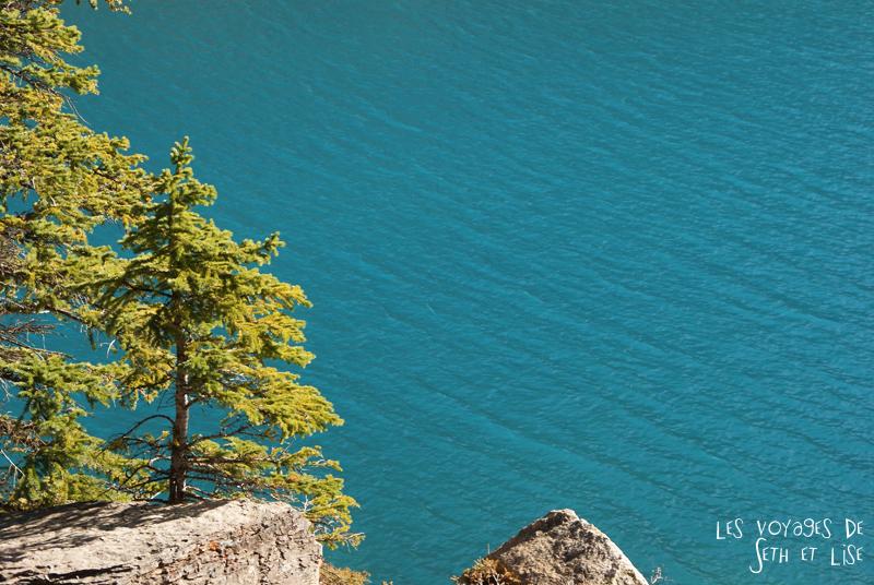 blog photogaphie pvt pvtiste canada alberta rocheuses montagne couple voyage tour du monde paysage nature lac lake blue moraine bleu
