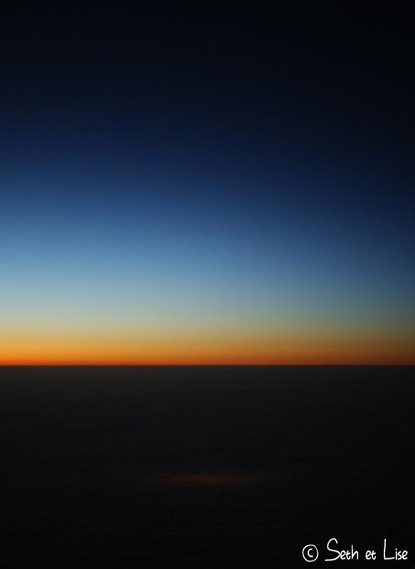 blog voyage pvt canada whv vol avion westjet nuage ciel ville