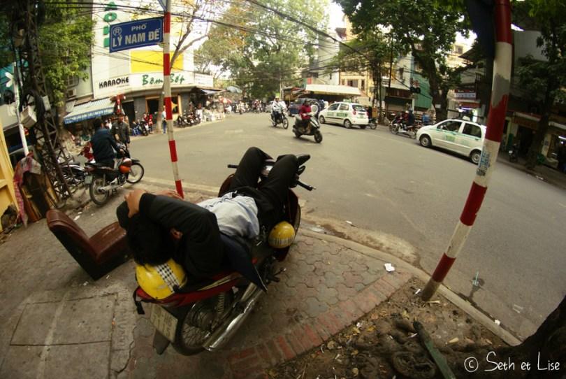 hanoi-relax-scooter.jpg