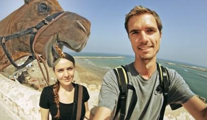 chameau maroc selfie seth et lise