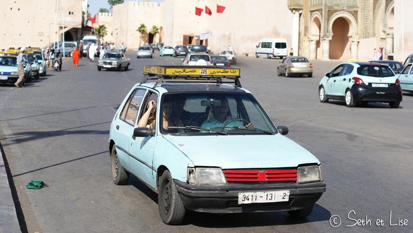 petit taxi meknes bleu