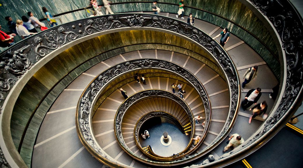 1280px-Spiral_staircase_in_the_Vatican_Museums