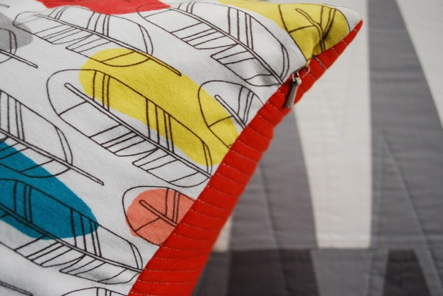 SEW KATIE DID | Invisible Zipper Pillow
