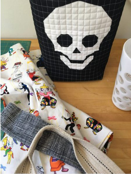 sew katie did | paper pieced halloween candy door bucket