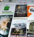 Livres 119x130 Beim Bloc Identitaire in Orange: Ideen
