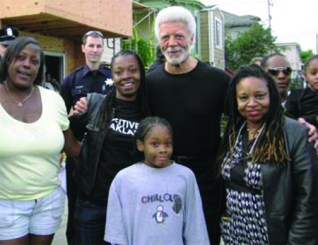 Oakland Mayor Ron Dellums visits public housing tenants.